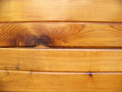 How to Apply Wood Stains and Varnishes