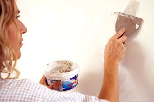 How to Fix the Walls in Your House
